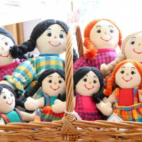 Lanka Kade Dolls